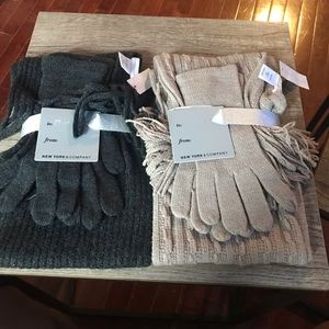 NEW New York & Company Scarf and Glove Set